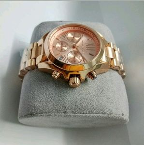 Michael Kors Accessories - (2 LEFT IN STOCK)Michael Kors rose gold watch